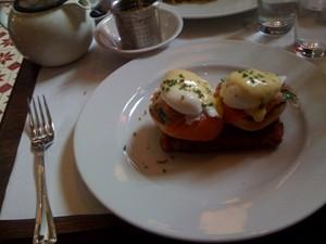 anisette-eggs-benedict1.jpg